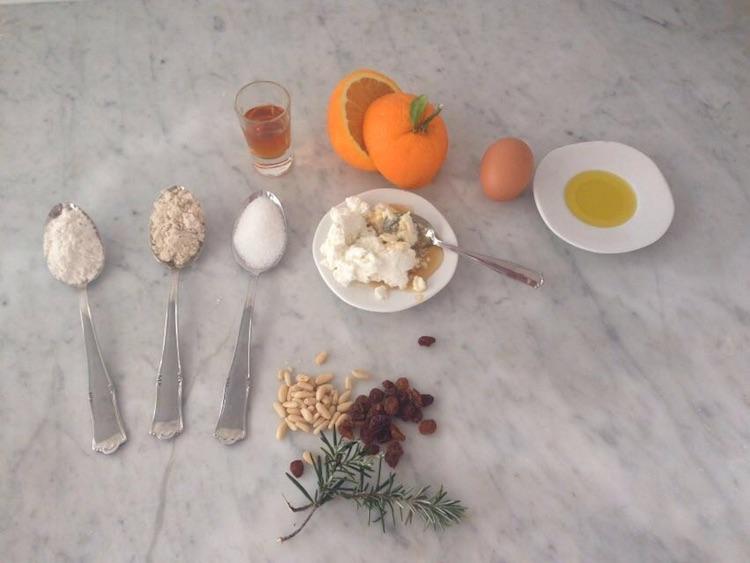 Cupcake di farina di castagne: la tradizionale ricetta toscana del castagnaccio rivisitata in chiave moderna, forme contemporanee dal cuore antico