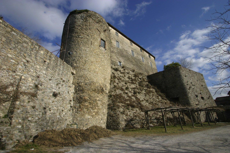 Il Castello Malaspina a Fosidnovo è uno dei più importante monumento storico toscano in Lunigiana
