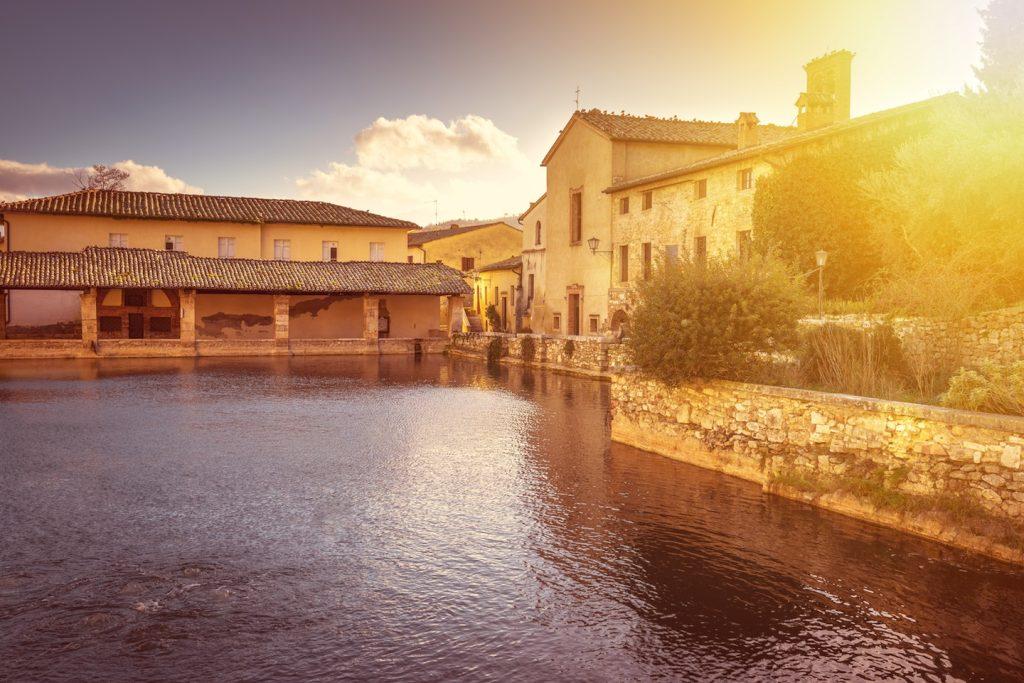 Le Terme in provincia di Siena sono le più famose della Toscana e offrono esperienze di benessere e relax per tutte le tasche per delle Real Tuscan Experience.