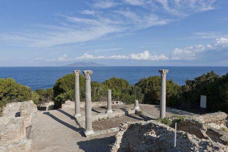 L'Isola di Giannutri nell'Arcipelago Toscano nel Mar Tirreno, nasconde i resti di un'antica villa romana ed è il luogo ideale per un weekend in Toscana