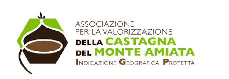 Le castagne in Toscana sono uno dei prodotti tipici più utilizzati insieme alle olive e all'uva.