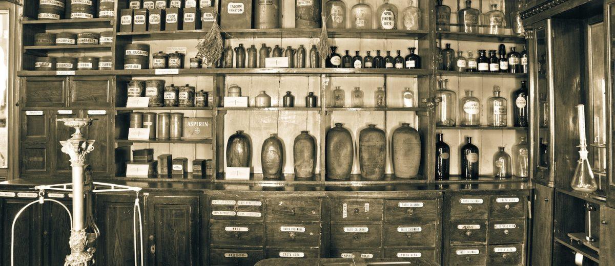 Le farmacie storiche di Firenze racchiudono in sè tutti i saperi dell'antica Arte dei Medici e degli Speziali e dal 1266 vendono le loro medicine in città