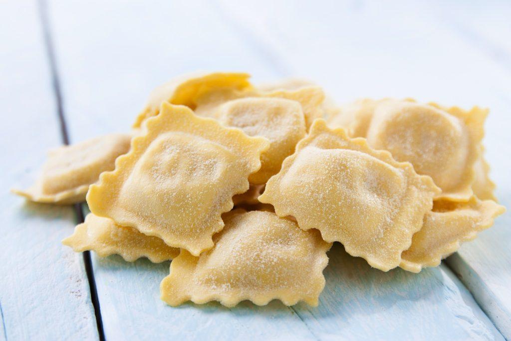 Ricetta dei Tortelli di Barbabietola Rossa, un piatto tipico della Maremma, per scoprire la Toscana attraverso i suoi sapori tradizionali e prodotti Km zero.