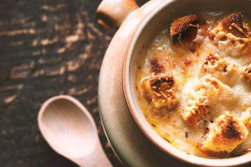 Caterina dei Medici portò molte ricette in Francia tra cui la zuppa di cipolle