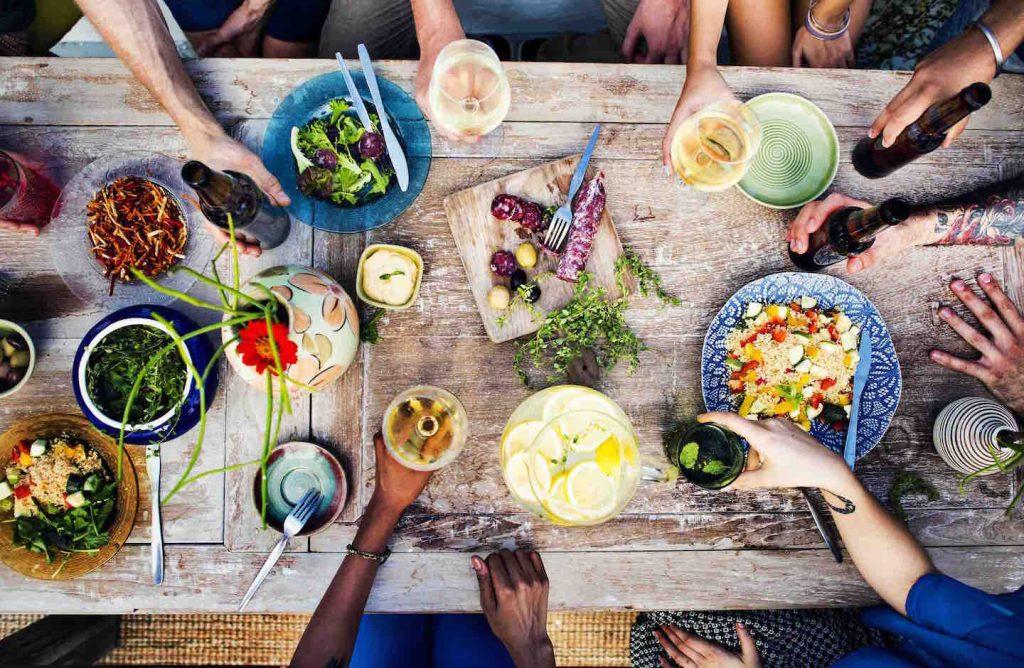 Le Supper Club by TuscanyPeople sono cene organizzate per 15 massimo 20 persone che non si conoscono, ma che condividono passioni comuni, iniziando dalla buona tavola