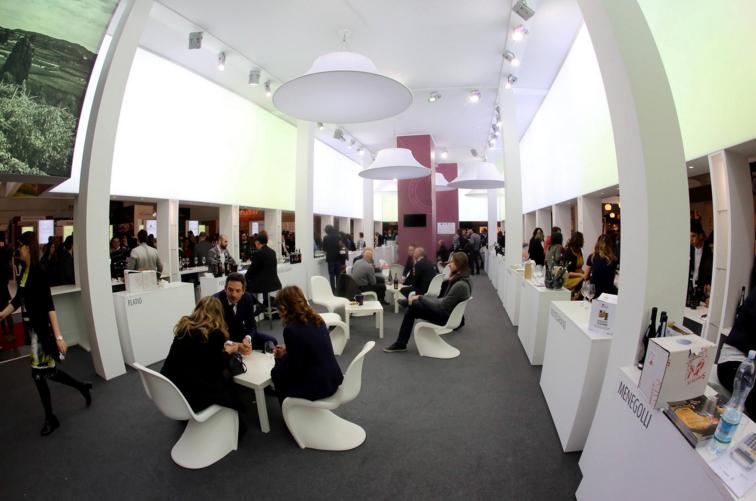 Dal 10 al 13 aprile presso Veronafiere si terrà la 50° Edizione del Vinitaly, il Salone del Vino e dei Distillati e TuscanyPeople sarà ovviamente presente