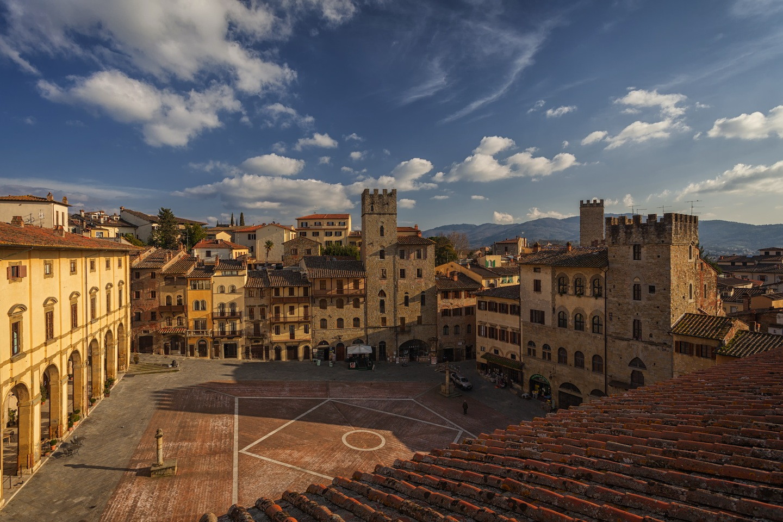 Arezzo tra antiquariato tradizioni e ovviamente buona for Arezzo antiquariato