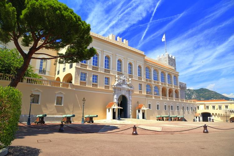 Se state cercando una meta dove passare un weekend estivo, il Principato di Monaco è la tappa più glamour in Europa vicina al confine italiano