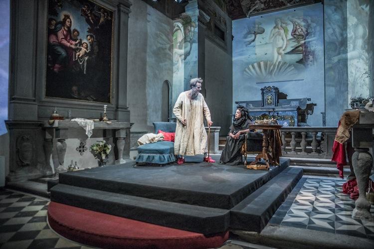 Medici Dynasty Show è uno spettacolo teatrale multimediale in lingua inglese che ogni martedì si replica a Firenze nella Chiesa del Fuligno
