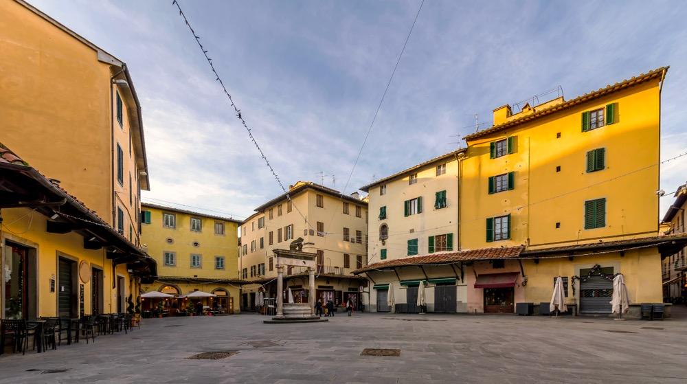 Piazza della Sala è una delle principali piazze di Pistoia