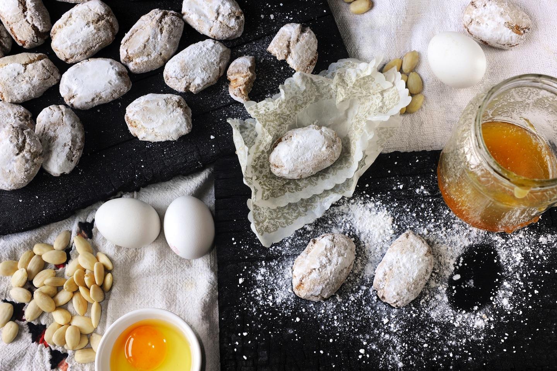 Tra i piatti tipici toscani troviamo i ricciarelli di Siena