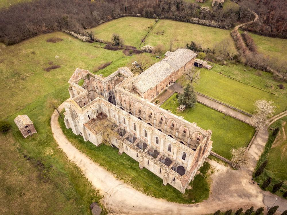 L'abbazia di San Galgano è stata costruita scondo i prinicipi della scala Diatonica naturale applicati all'architettura