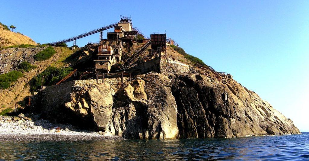 Hotel del Golfo, hotel di lusso all'Isola d'Elba,si affaccia sulla Spiaggia di Procchio, è fornito di tutti i comfort e di due ristoranti