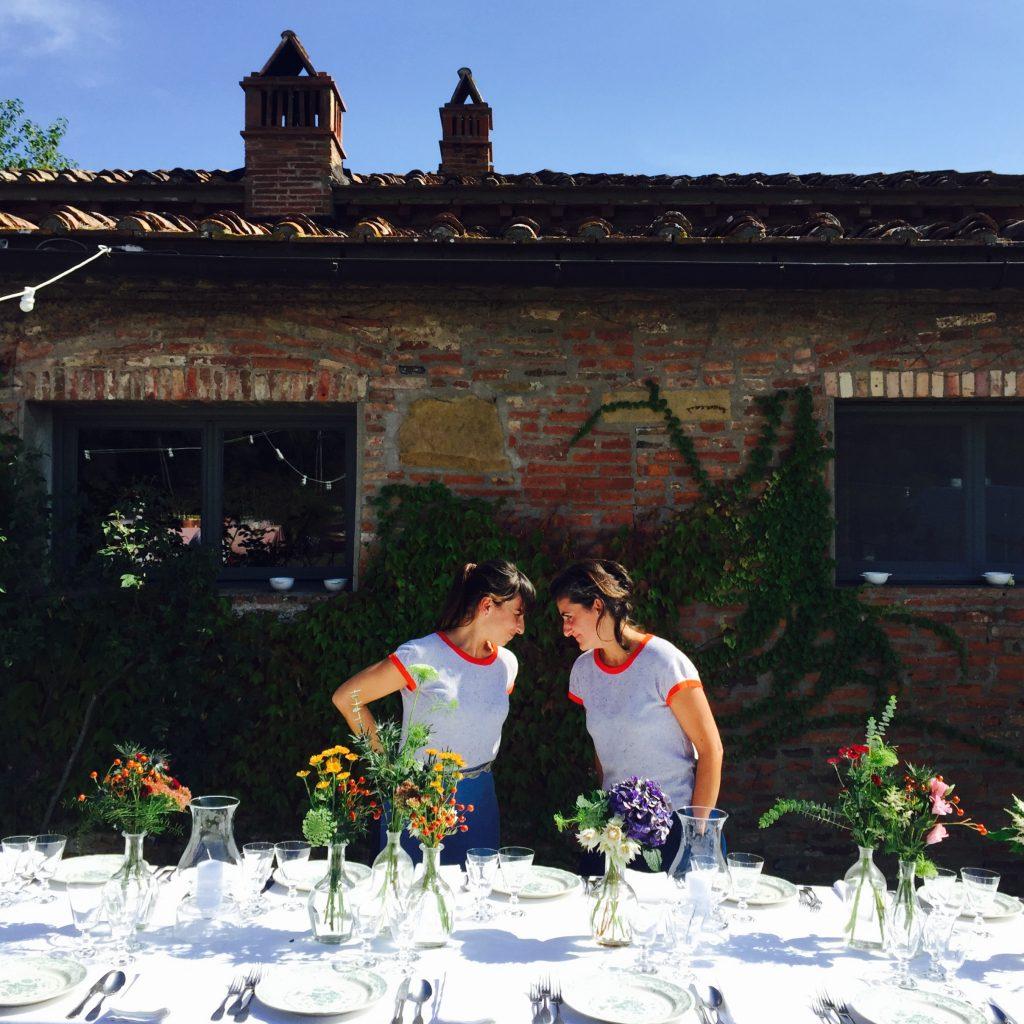 Varietè Prato non è un semplice negozio di fiori a Prato, ma una bottega dei sogni, dove le proprietarie ti conducono in un Eden di natura e design