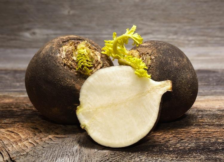 Non è vero che gli ortaggi invernali sono pochi. Al mercato potrete trovarne tante varietà gustose, inusuali e alleate della salute