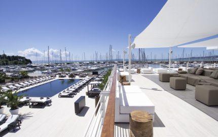 Resort Baia Scarlino, Marina di Scarlino, Maremma: luxury hotel a cui si può accedere in barca, inserito nel circuito dell'Italy Bike Hotel