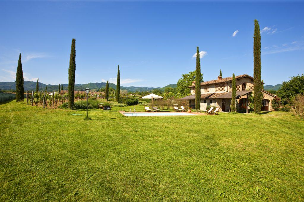 Monsignor della Casa Country Resort & SPA, hotel lusso per weekend in Toscana, si trova in Mugello vicino all'Autodromo e a 30 min da Firenze