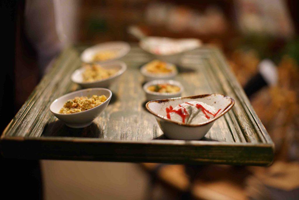 Le social dinner di TuscanyPeople sono eventi costruiti con la massima cura, scegliendo con attenzione i migliori fornitori made in Tuscany