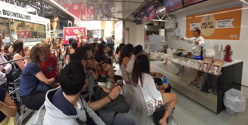 Vetulio Bondi, toscano doc, è tra i gelatieri più famosi del mondo, portavoce indiscusso dell'arte del Gelato Artigianale da New York a Taiwan