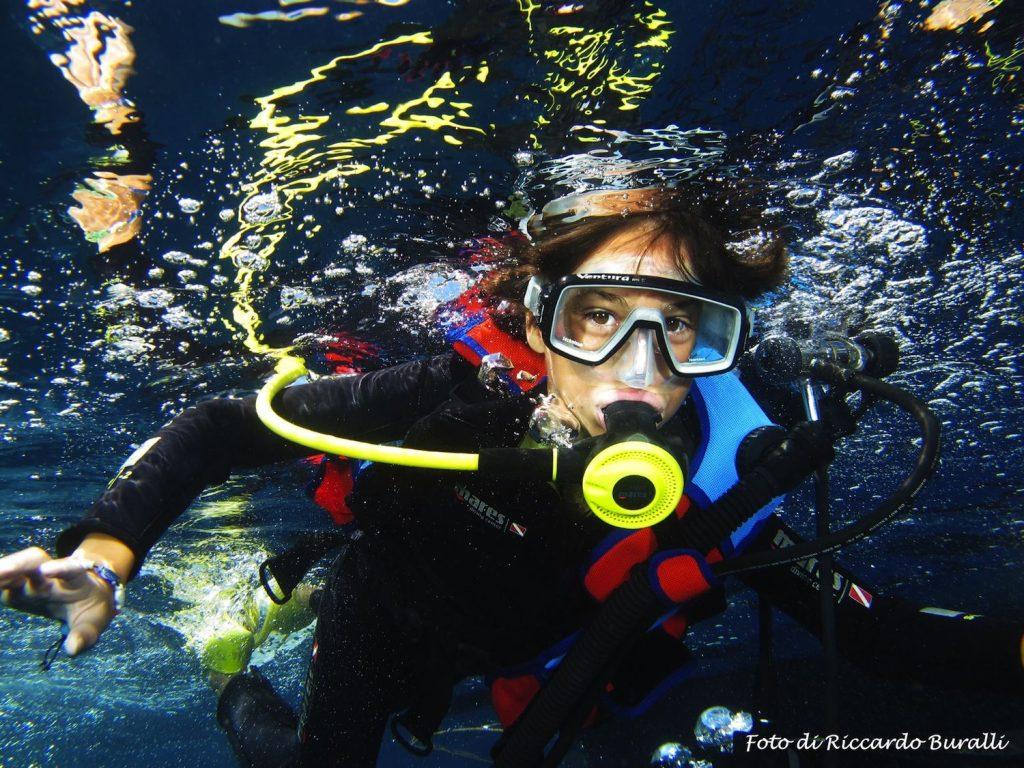 Praticare diving all'Isola d'Elba permette di scoprire i paradisi marini dell'Arcipelago Toscano, grazie al CED il Consorzio Elbano Diving