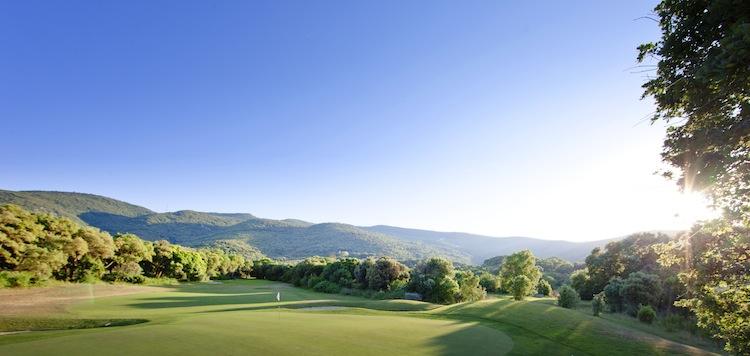 Argentario Golf Club: uno dei più importanti e bei campi da golf italiani: in Toscana tra la Laguna di Orbetello e il Parco della Maremma