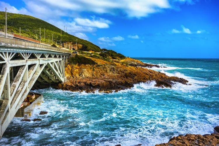 Castiglioncello si trova sulla costa livornese davanti all'Arcipelago Toscano.Da sempre meta di vacanze dei VIP è stato il set de Il Sorpasso