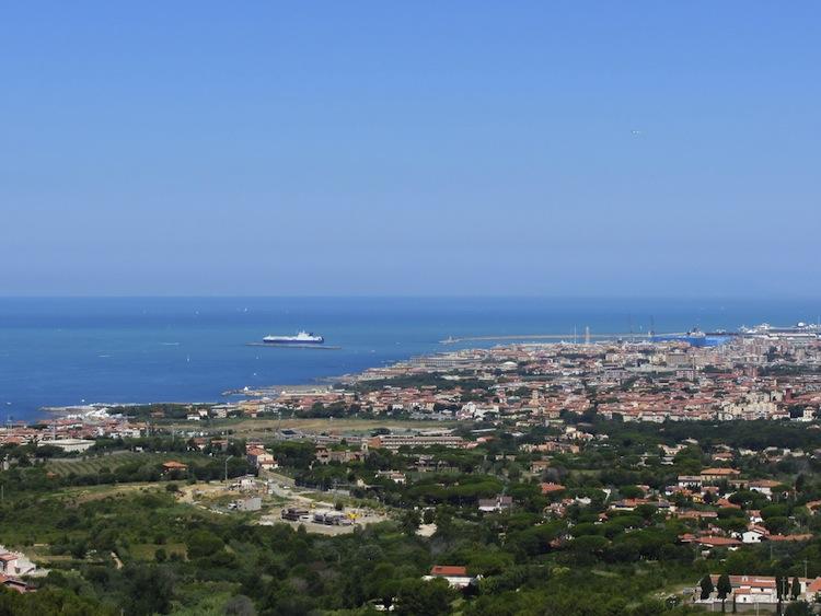 Le funicolari in Toscana sono 3 e attirano migliaia di passeggeri con il loro fascino retrò. Si trovano a Certaldo, Montecatini e Montenero