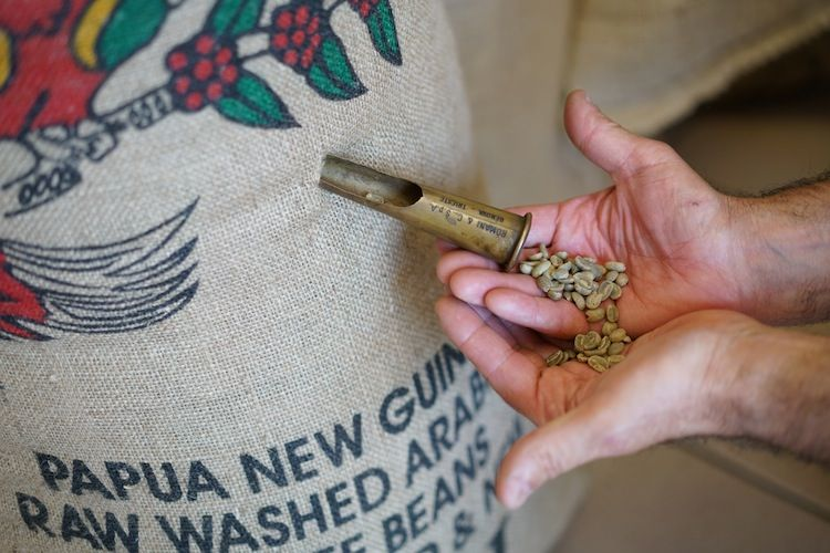 La Torrefazione Pagnini produce in Toscana da 3 generazioni caffè di primissima qualità: miscela Eccellenza, decaffeinato e caffè d'orzo