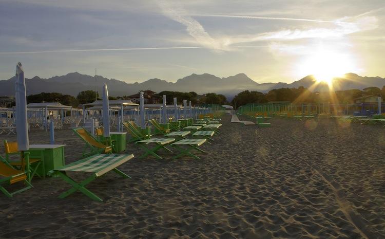 Il Parco della Versiliana, tra Marina di Pietrasanta e Forte dei Marmi, è uno spazio di verde pubblico ricco di storia, per eventi estivi all'aperto.