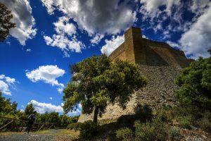 Pomarance è un antico borgo toscano nella Val di Cecina, vicino a Larderello nella Valle del Diavolo dove ammirare i soffioni boraciferi