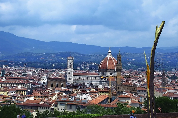 Il Dottor Lecter Hannibal ci racconta la sua Firenze: da Palazzo Capponi alla Gastronomia Vera, dalla Farmacia S.Maria Novella a Rinaldo Pazzi