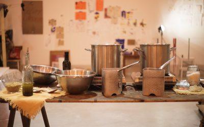 Kitchen Wishes è il Catering Contemporaneo e fresco, 100% made in Tuscany che ha curato la VII^ Supper Club di TuscanyPeople. Intervista alle chef Giulia e Elena.