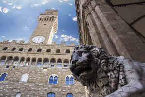 Palazzo Vecchio è uno dei simboli di Firenze. La storia dei suoi molti nomi segue non solo la storia del capoluogo toscano, ma dell'Italia