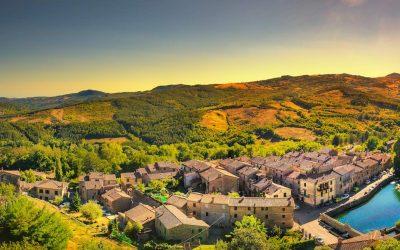 I borghi del Monte Amiata hanno tutti origini antichissime. Le loro rocche narrano storie di cavalieri davanti ad una natura incontaminata