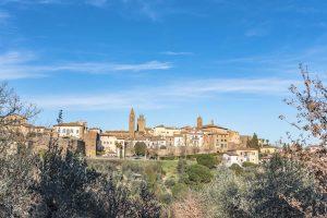 Racconto di un weekend a Monte San Savino, tra storia, natura e enogastronomia.