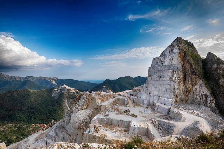 Forte dei Marmi è una delle principali località balneari della Versilia, nonché il più glam tra i luoghi di villeggiatura della Toscana