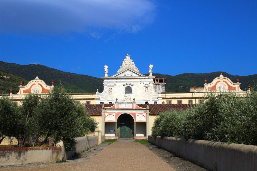 La Certosa di Calci si trova in provincia di Pisa