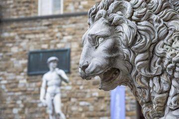 La storia de i Medici inizia nel Duecento con Giambuono dei Medici, ma il primo personaggio di rilievo storico che incontriamo è Giovanni dei Medici, fondatore del Banco dei Medic
