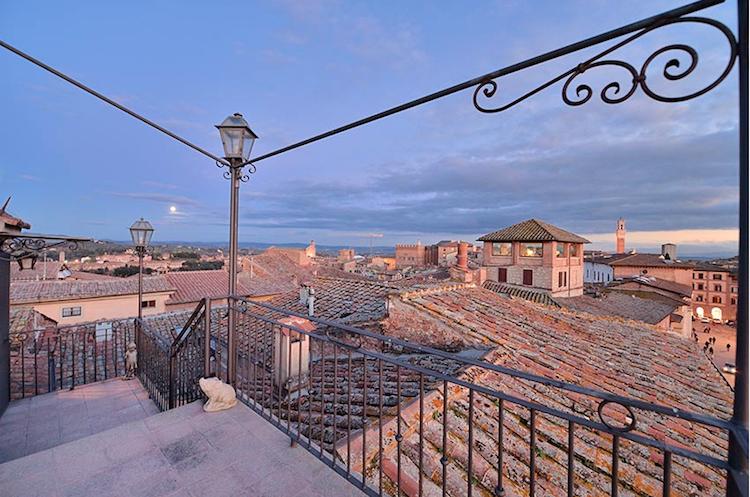 Un tour in Toscana fatto di charme ed eleganza alla scoperta dei migliori hotel di lusso a Siena.