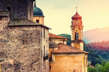 La Lunigiana è una regione nel Nord della Toscana, corrispondente all'antico territorio dei Luni, ovvero alle zone circostanti al corso del fiume Magra.