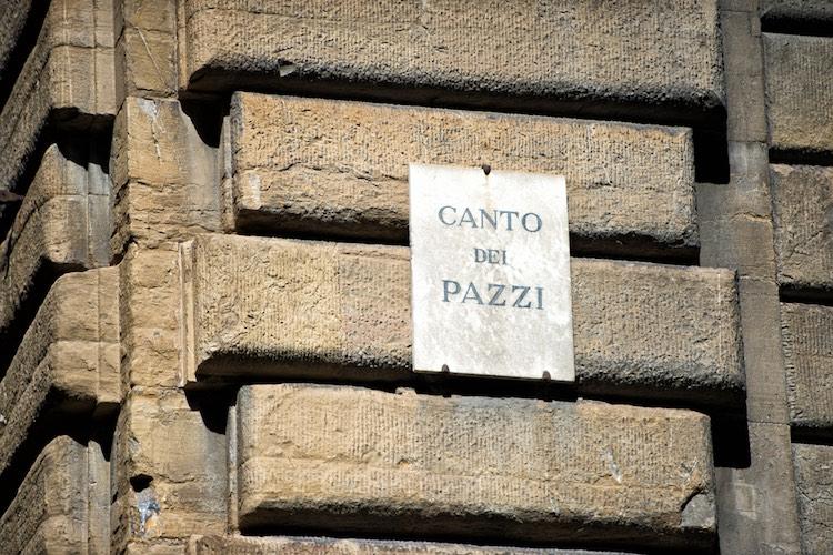 La congiura dei Pazzi è un episodio nero nella storia dei Medici, grande dinastia toscana.