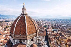 La cupola del Duomo di Firenze è molto più che un capolavoro. E' quasi un miracolo, un favoloso mistero non del tutto svelato, creato dalla mente geniale di Filippo Brunelleschi