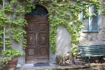 Se state cercando un interessante investimento immobiliare in Toscana per creare un agriturismo di lusso in un immobile storico Villa Braccini a Cerreto Guidi è quello che fa per voi.