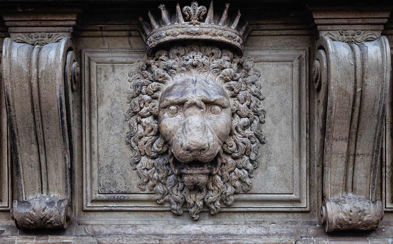 La fine della famiglia Medici avviene con l'ascesa al potere degli Asburgo-Lorena a metà del 1700, dopo la firma del Patto di Famiglia
