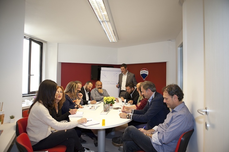 Se stai cercando un consulente immobiliare di fiducia in Toscana, Angelo Mirabelli è un ottimo agente immobiliare Re/Max - Real Estate Maximum per acquisto e vendita di proprietà immobiliari.