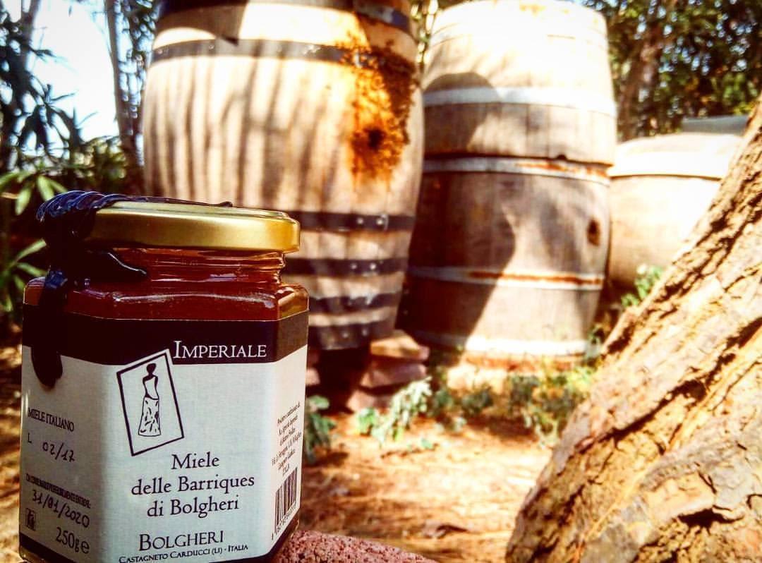 L' Azienda Agricola Imperiale di Bolgheri è un'azienda biologica toscana che produce vino, miele, olio Evo, farina e pasta di grani antichi.