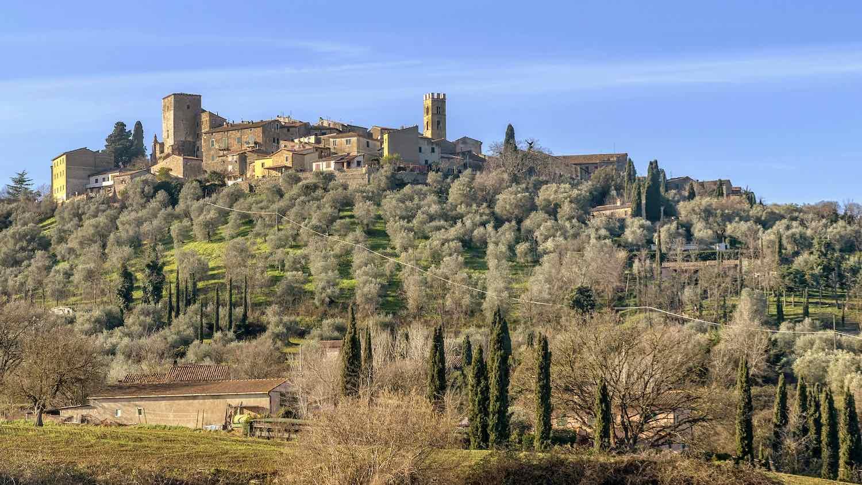 Montemerano è uno dei 23 Borghi più Belli d'Italia della Toscana. Questo borgo medievale si trova in Maremma, tra Saturnia e Manciano