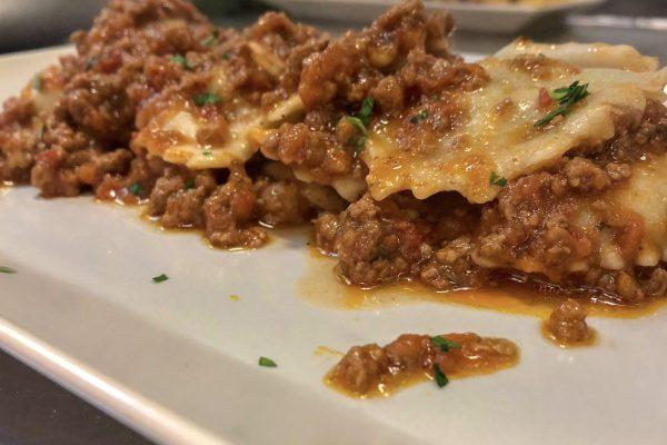 L' Osteria I Macelli si trova a Borgo a Mozzano (LU). Dal 2017 ha cambiato gestione e si dirige a grandi passi verso una cucina tipica, a chilometri zero e molto ricercata.
