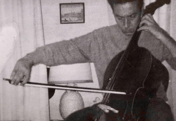 Luciano Bianciardi, scrittore e giornalista toscano, fu genio tormentato, che grazie alla sua sensibilità ha composto bellissimi capolavori