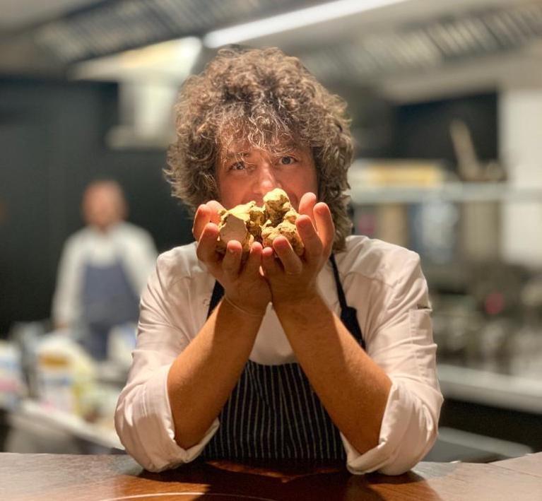 La cucina contemporanea raccontata da Valentino Cassanelli, chef stellato del Lux Lucis il ristorante dell'Hotel Principe di Forte dei Marmi